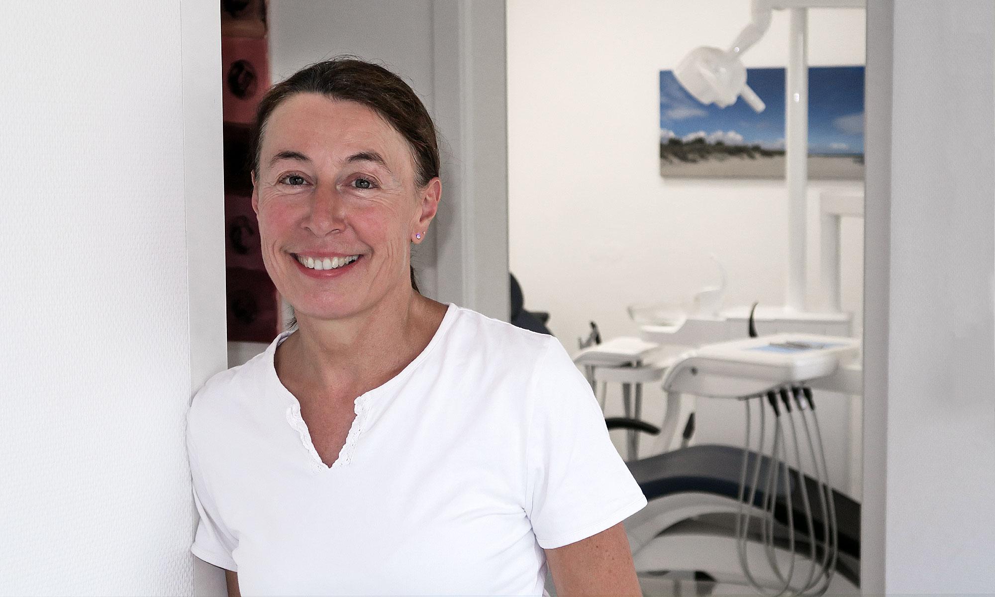 Dr. Simone Ackermann
